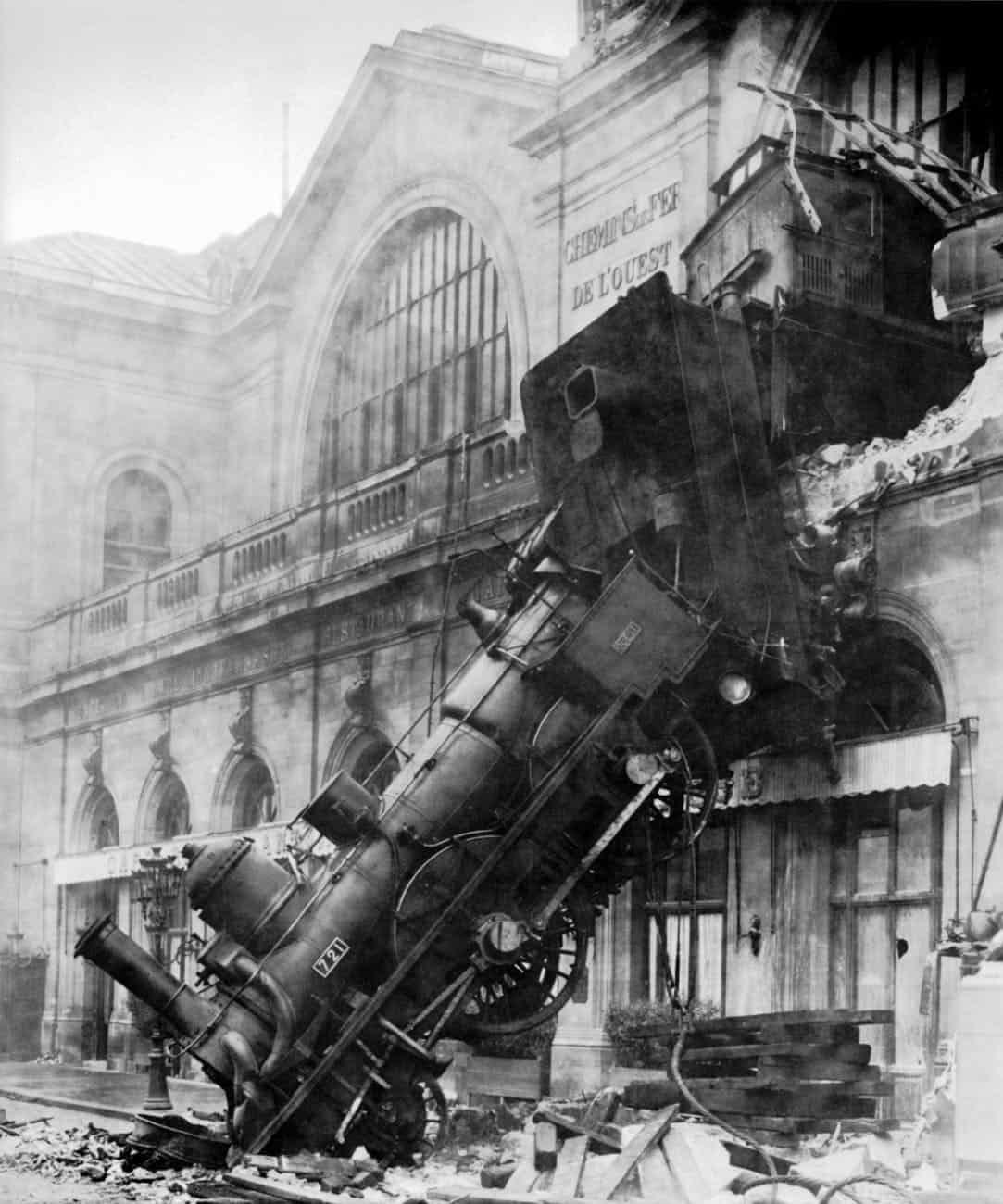 accident disaster steam locomotive train wreck